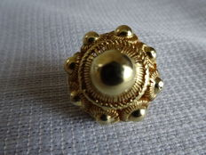 Antique golden Zeelandish button, late 19th or early 20th century