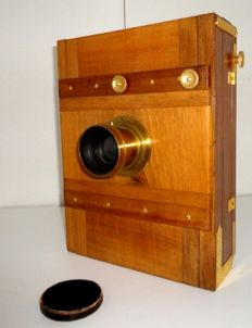 Large plate camera made of wood