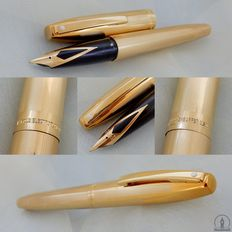 Sheaffer Triumph Imperial 2797 Gold Plated Fountain Pen - 14K M Nib | New Old Stock / Mint condition