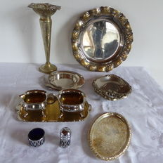 Several silver-plated objects, 9 pieces including a creamer set, tray and cup