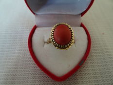 Beautiful gold ring with red coral