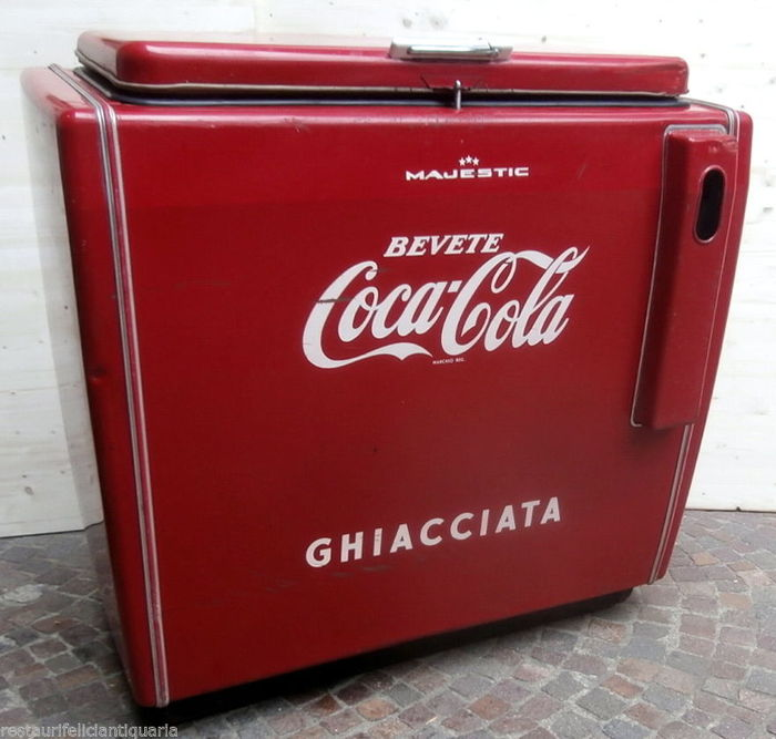 vintage coca cola majestic ice chest authentic catawiki. Black Bedroom Furniture Sets. Home Design Ideas
