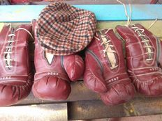 2 pairs of boxing gloves - 1950