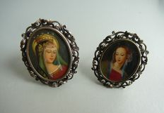 2 Silver brooches / pendants with miniatures