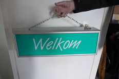 Light box with Welkom and Dank U.