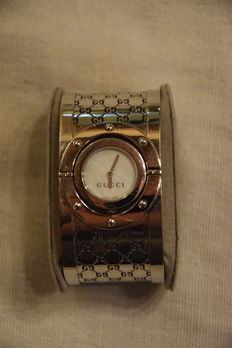 Gucci – watch – Twirl large (woman)