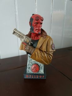 Hellboy - Polystone Bust of Hellboy - 2004 - was part of the DVD collector set