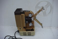 Eumig P26 -  Projector in original case with accessories