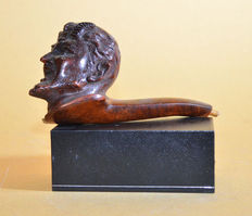 Beautifully carved antique walnut pipe Devil head, late 19 century