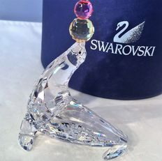 Swarovski - playing seal