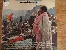 Nice Lot with 2 Triple Albums and 1 double  of the first epic Rock Festivals: Festival of The Isle of Wight 1971 & Woodstock 1 & II from 1970