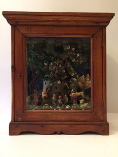Lovely crib in a display case - late 19th century