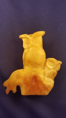 Hand carved Baltic Amber figurine of an  owl
