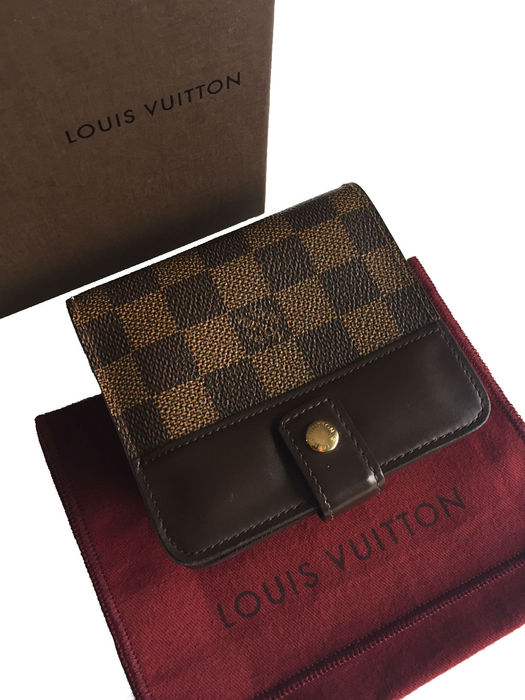 a159720973fe Louis Vuitton - Unisex Compact Wallet - Catawiki