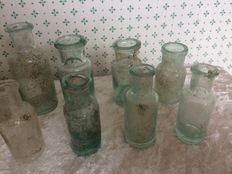 14 pharmacists bottles. The Netherlands and France Late 19th and early 20th centuries