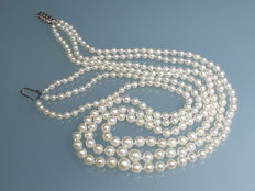 Vintage three row graduated pearl necklace