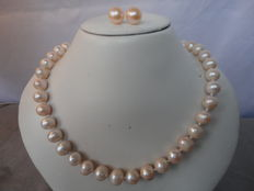 Soft pink freshwater pearl necklace with 925 silver lobster clasp + silver pearl ear studs