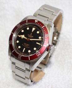 Tudor Heritage Black Bay 79220R red bezel - men's watch - 2014's