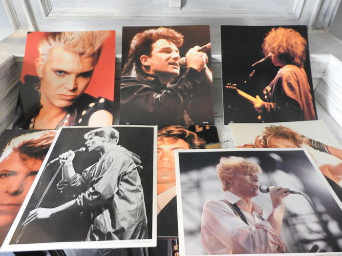 8 iconic pictures on hard cardboard from  David Bowie , George Michel etc.