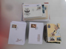 World – Lot of 784 first-day envelopes.