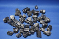 Black tourmaline crystals - India - 20 to 44 mm - 1,02kg (44)