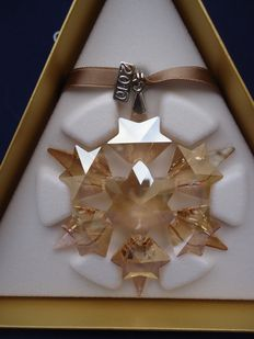Swarovski-Christmas star golden shadow 2010