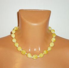 Beautiful olive-shaped necklace