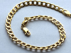Massive 14 karat curb chain bracelet for men,