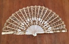 fan in ivory and lace, Italy, circa 1900