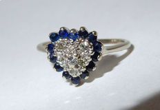 Gorgeous ancient heart-shaped ring in gold set with 7 diamonds and 14 sapphires VALENTINE'S DAY SPECIAL