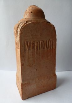 Verdun 1914-1918 sculpture of terracotta