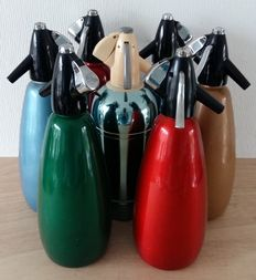 Seven pieces soda siphon in various types and sizes, England, Australia, second half 20th century.