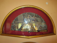 Lot of 2 hand painted folding fans by I. Santamaría with painting reproductions.  Exhibited in a frame. France, 19th c.