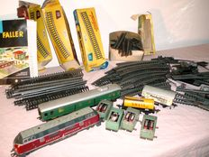 Fleischmann H0 - Large collection of Profi tracks, 80 pieces, and a lot of components, plus six Fleischmann carriages Made in Western Germany, including 1 Fleischmann H0 - 1381