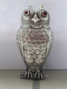 Silver pepper caster in the form of an owl, Spain, 1st half of 20th century