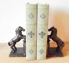 Cast iron bookends: Horses decorated with gold-coloured edge