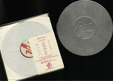 Public Image Limited - (PiL)  Set de Caja de Metal de 3 LP con folleto interno - Edición Original TIN del Reino Unido 1979 Virgin Post Punk PiL