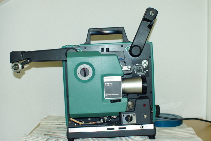 16mm Filmprojector BELL & HOWELL TQIII model 1693A