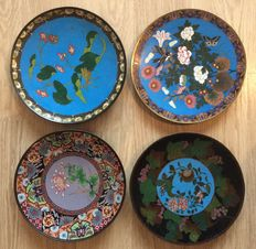 A collection of 4 Cloisonne chargers - Japan - 19th century (Meiji period)