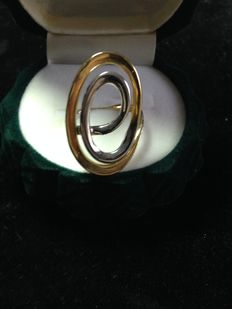 Two-tone white and yellow gold ring
