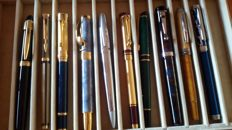 Lot of 10 vintage fountain pens