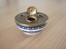 Nice porcelain Inkwell in the style of Louis XVI  brass from Limoges, French, 2nd half of the 20th century