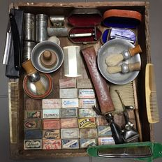 Fantastic Barber tool set and razor blades. 20Th century