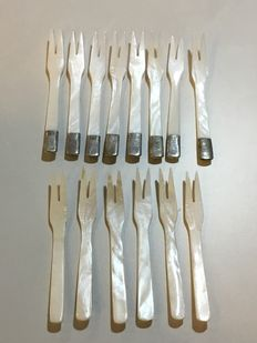 14 party forks