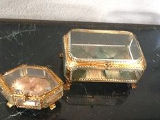 Lot with two jewellery boxes with glass biseauté cut glass -ca. 1900