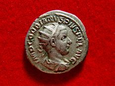 Roman Empire - Gordian III (238 - 244 A.D.) silver antoninianus (3,36 g. 21 mm.) from Rome mint, 240 A.D. VIRTVS AVG.