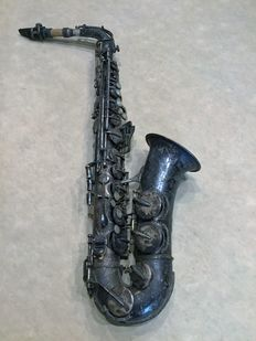 """Alt saxophone """"Arta Guban Timisoara Luxor Solo"""" complete, engraved and silver plated."""