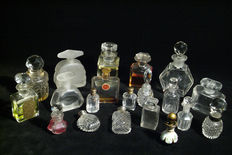 Interesting collection of 20 old bottles (glass flacons)