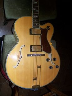 Hollow body guitar Epiphone, Broadway NA model n° U06074868; year about 2007
