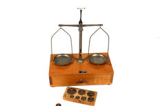 "Pharmacy weighing scale ""Erich Eydam"" - Kiel - Germany - approx. 1940"